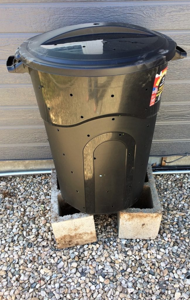 Composting bin 10 minutes and $10