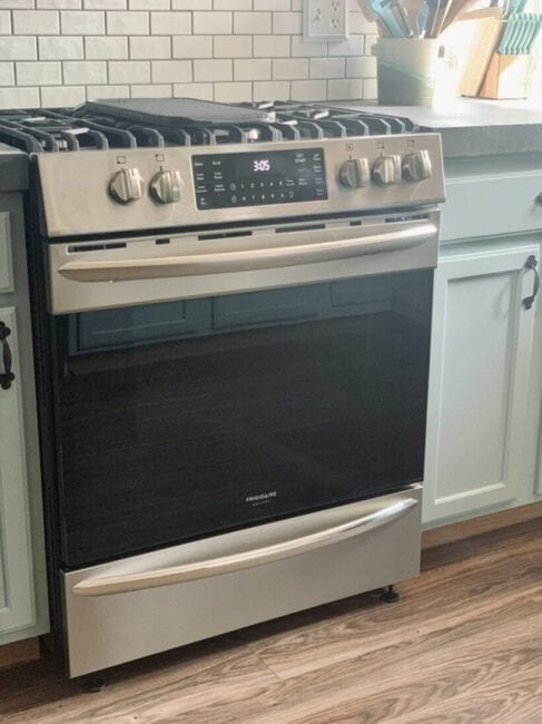 Frigidaire air fry gas range with air fry function stainless steel oven